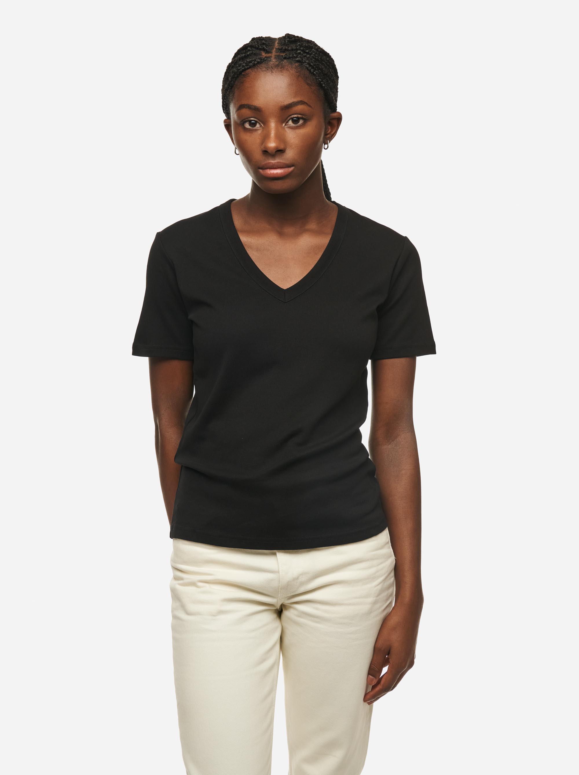 Teym - The T-Shirt - V-Neck - Women - Black - 2