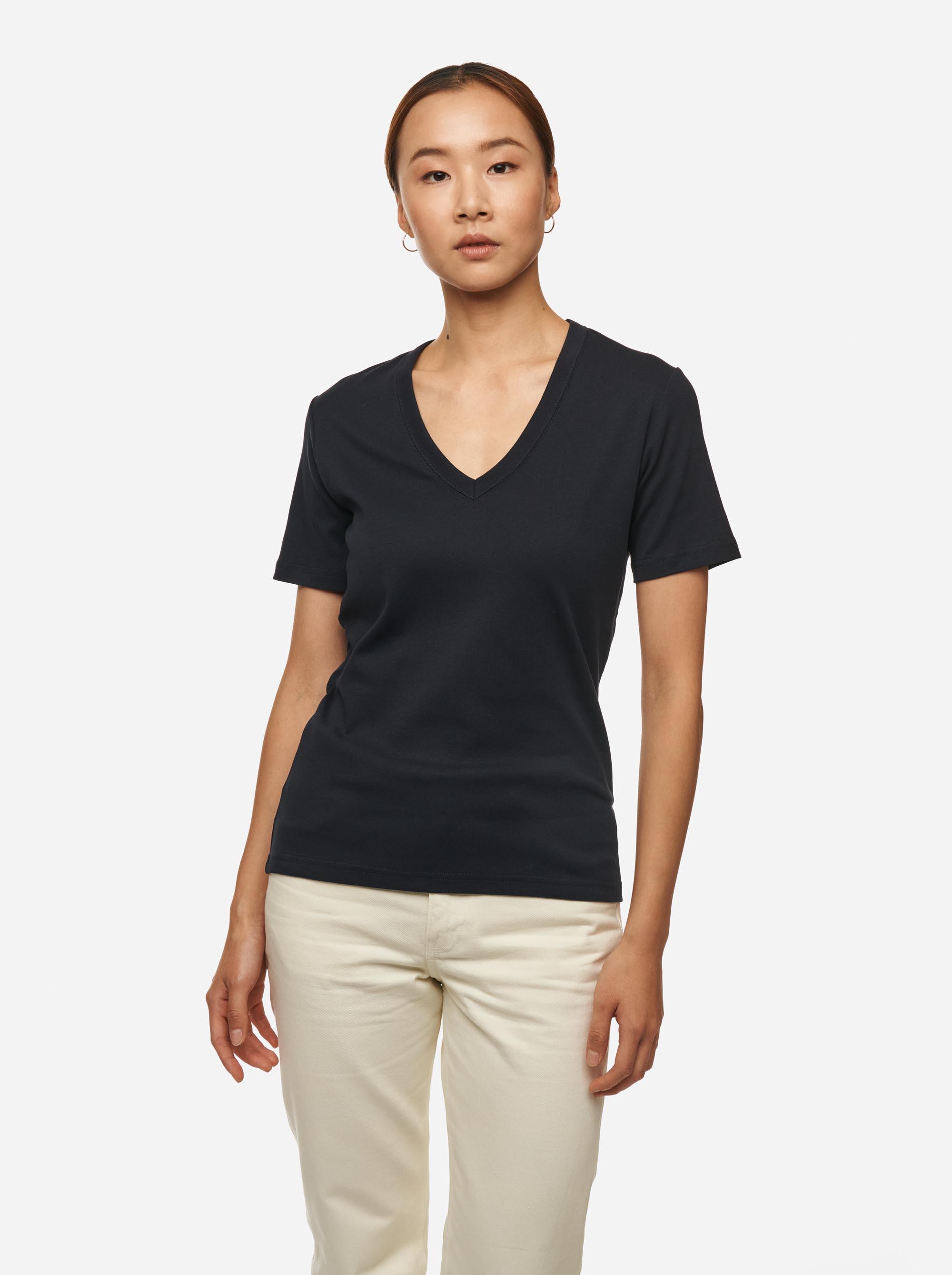 Teym - The T-Shirt - V-Neck - Women - Blue - 1