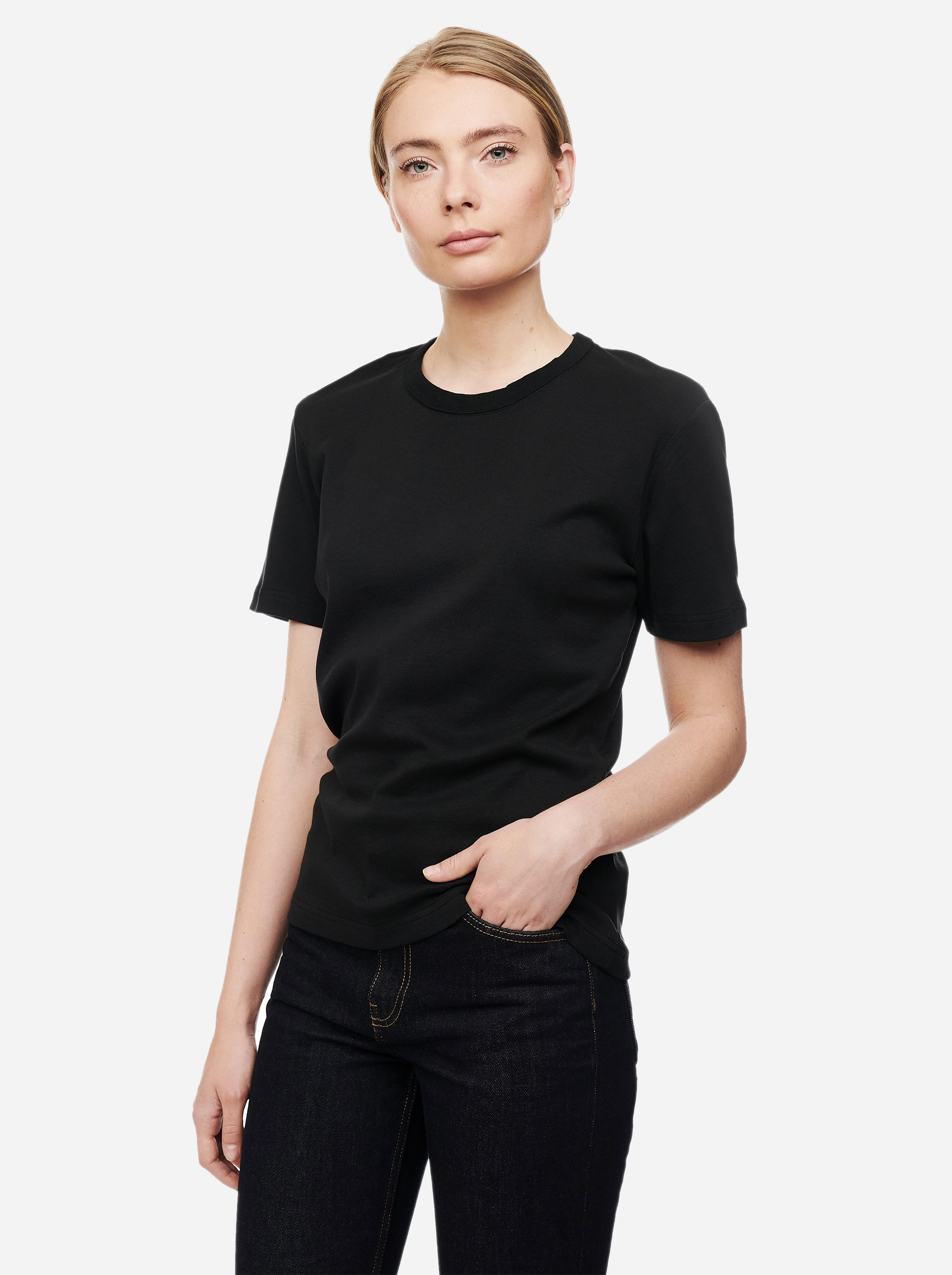 Teym - The T-Shirt - Women - Black2