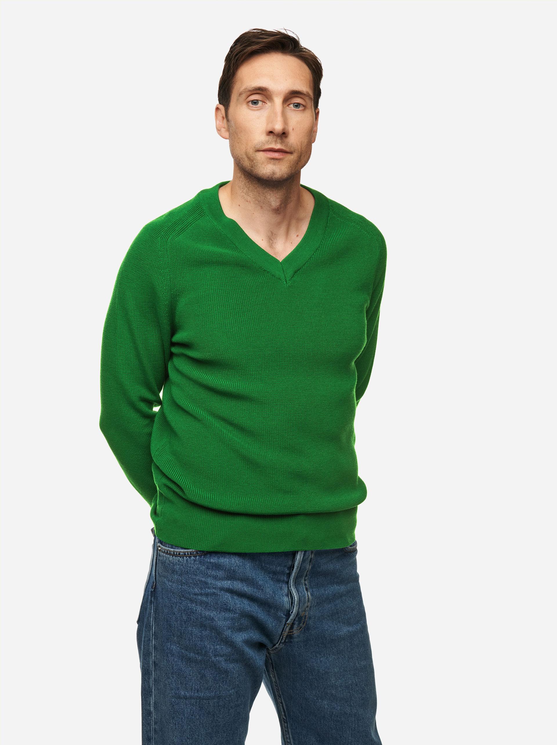 Teym - V-Neck - The Merino Sweater - Men - Bright Green - 2