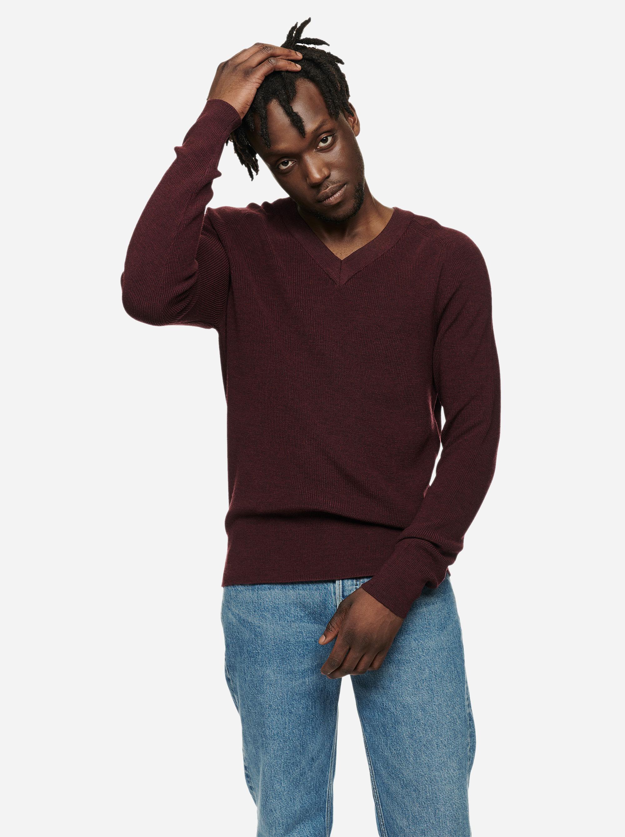 Teym - V-Neck - The Merino Sweater - Men - Burgundy - 1