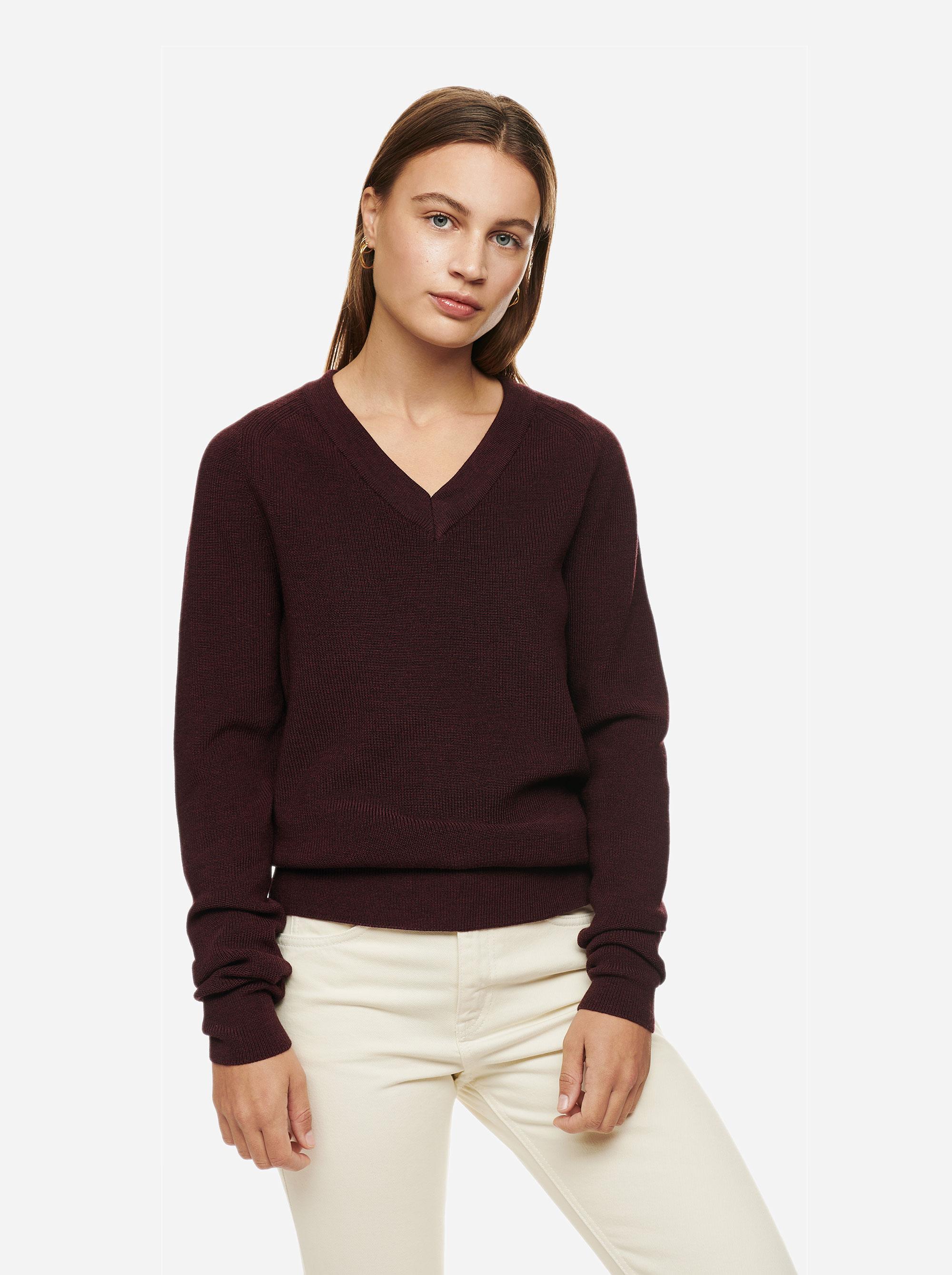 Teym - V-Neck - The Merino Sweater - Women - Burgundy - 3