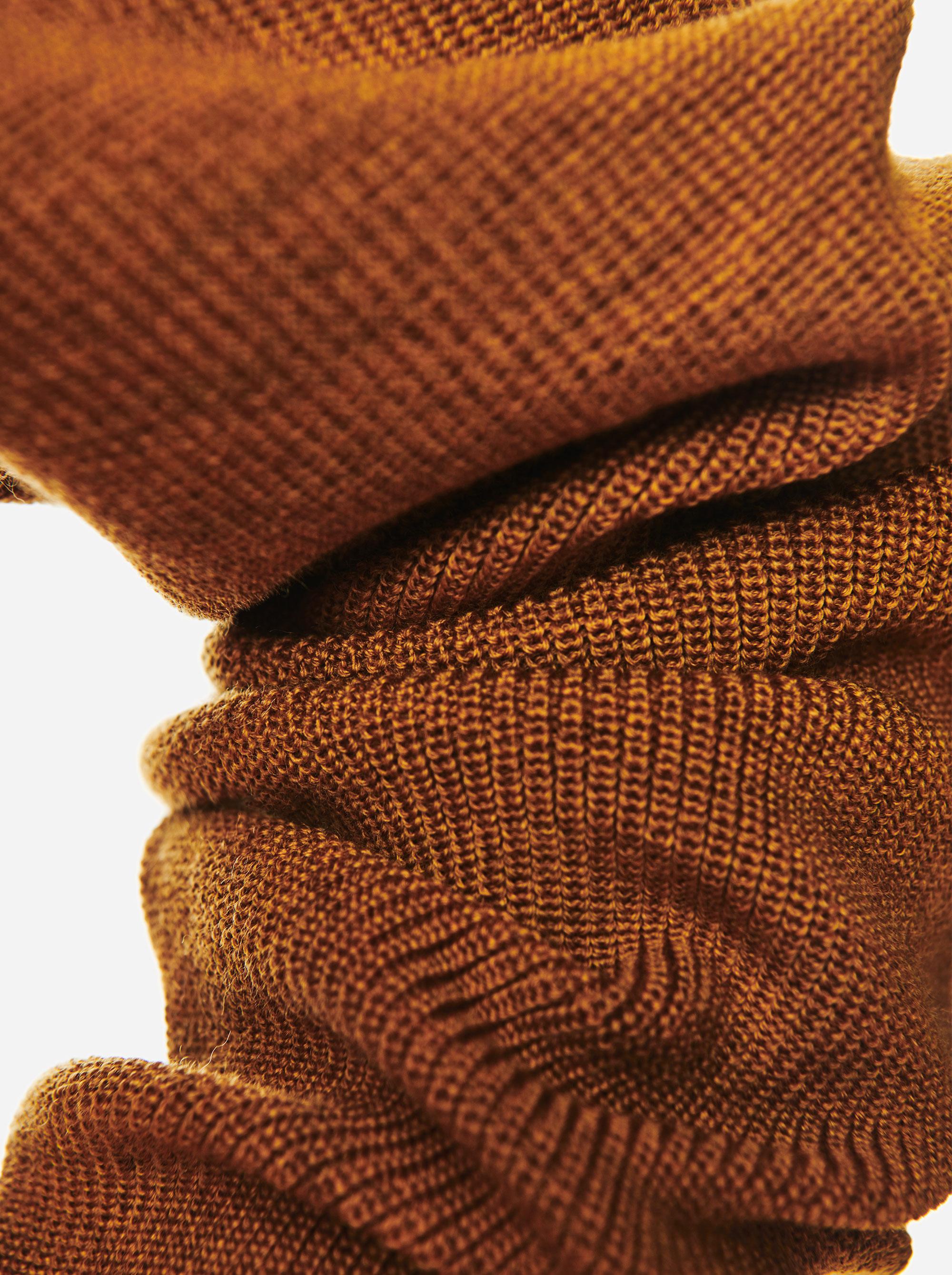 Teym - V-Neck - The Merino Sweater - Women - Mustard - 2