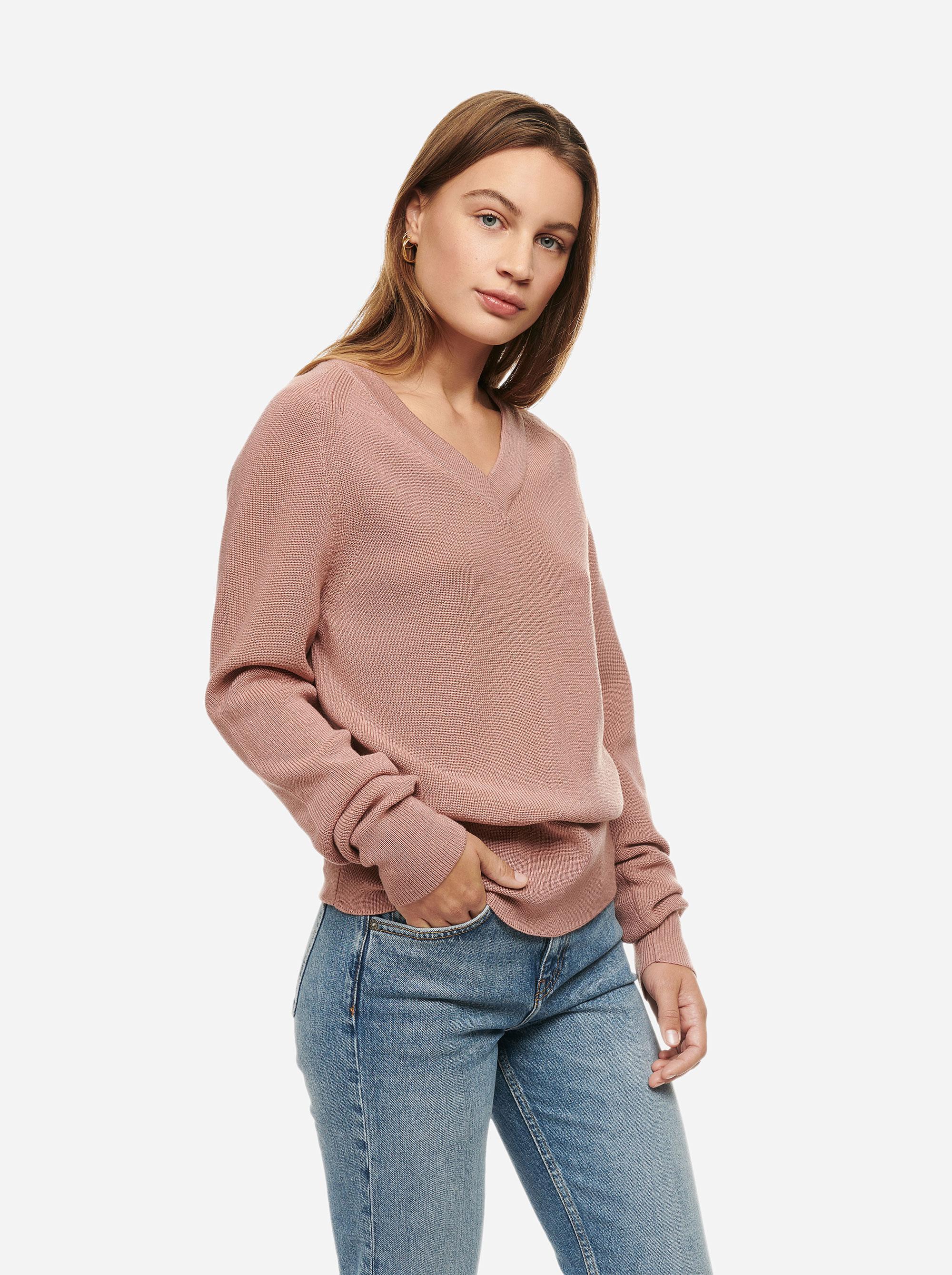Teym - V-Neck - The Merino Sweater - Women - Pink - 3